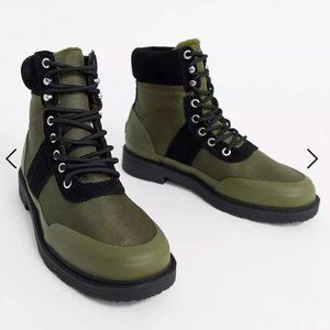 Hunter insulated hiker boots in olive